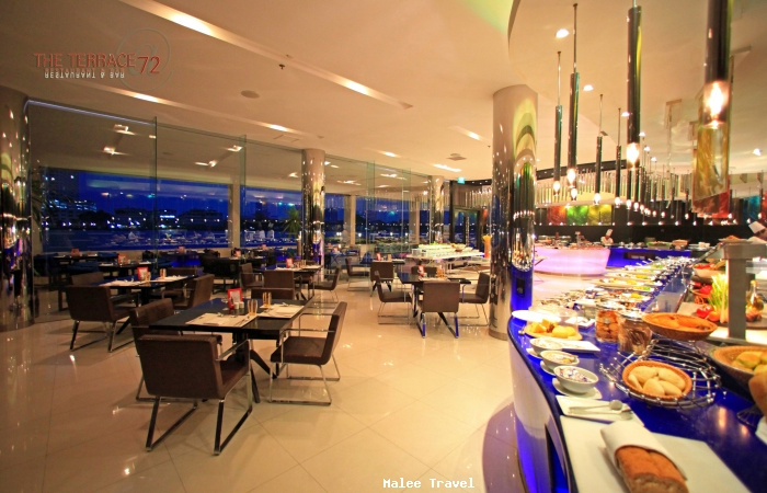 Ramada plaza menam riverside bangkok thailand for The terrace cafe bar