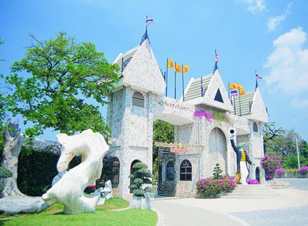 Million Years Stone Park and Crocodile Farm Pattaya, Thailand