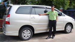 Taxi from Bangkok Airport (Suvarnabhumi or Don Muang) to Pattaya with Toyota Innova private transportation.